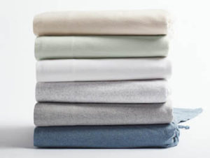 Flannel bed sheets of organic cotton by Coyuchi